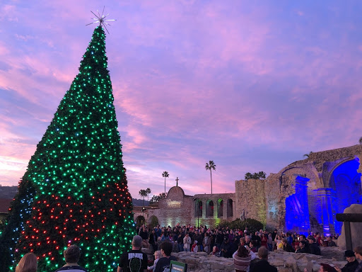 Holiday-Orange-County-Events-Like-The-Capistrano-Lights-Nightly-Program-Are-Perfect-For-The-Whole-Family