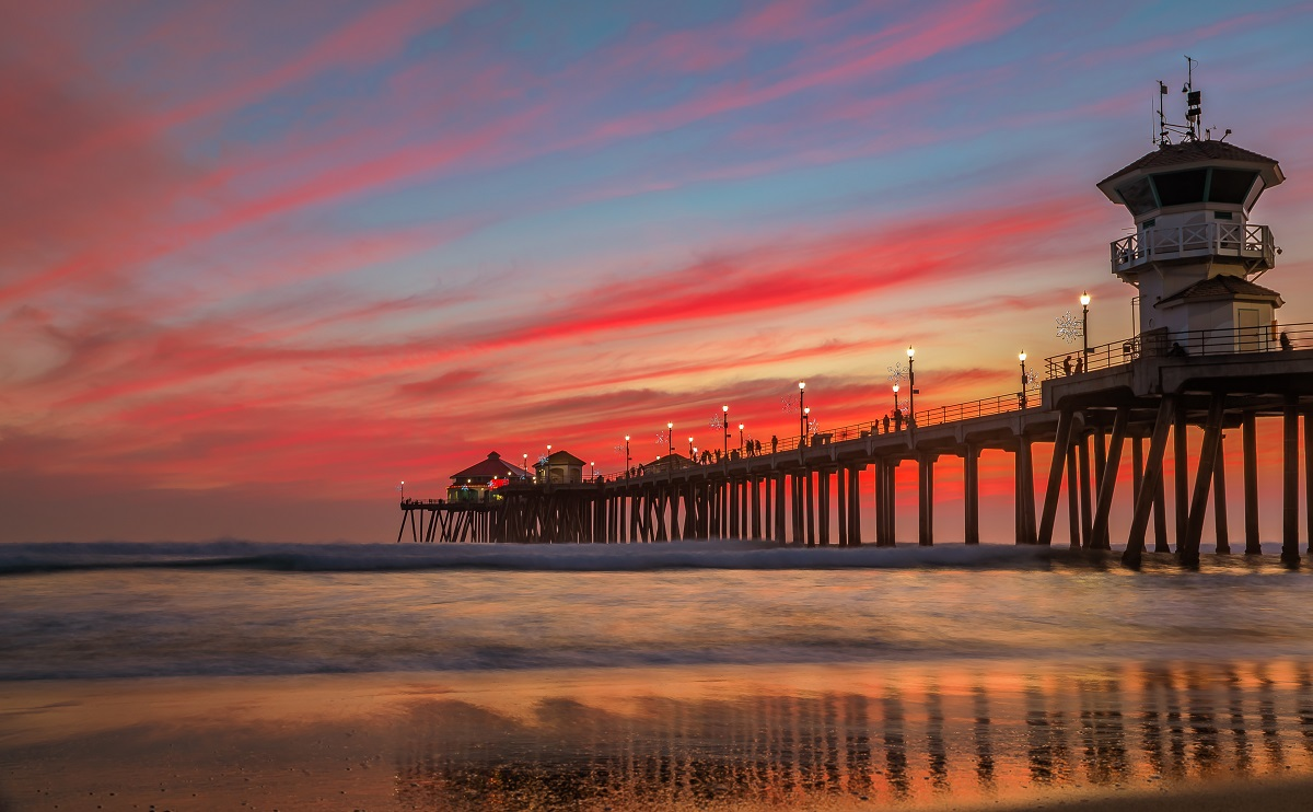 Beaches-make-for-a-scenic-Orange-County-event-experience