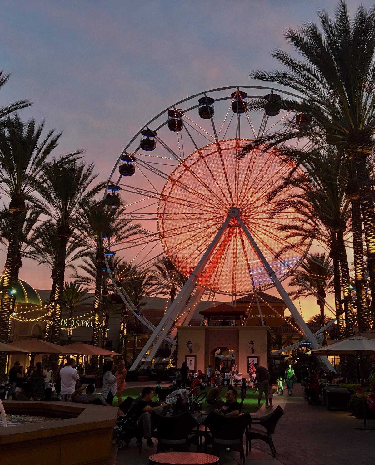Choosing-things-to-do-in-Orange-County-is-easy-with-the-Irvine-Spectrum-Center-close-by